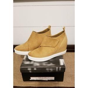 Coogi Penelope wedge sneakers